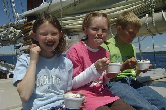Tall Ship Manitou - Day Tours: Join us on our Moomers Ice Cream Cruises!