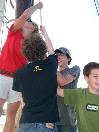 Tall Ship Manitou - Day Tours: Help the Crew Raise Sail!