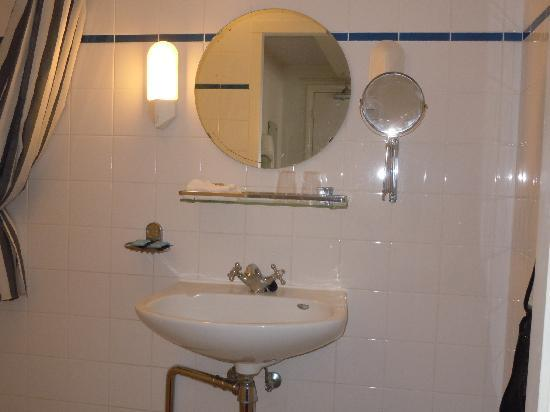 Hotel Keizershof: Private shower/sink