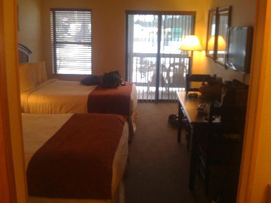 Breck Inn: Room