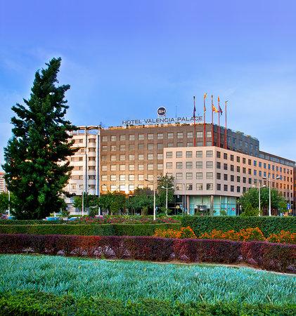 Photo of Hotel Melia Valencia Palace
