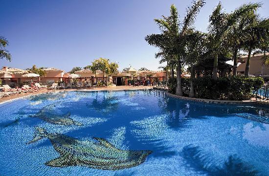 Piscina green garden foto green garden resort suites - Green garden piscina ...