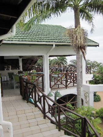 Ingwe Manor: Frühstücks-Terrasse mit Meerblick