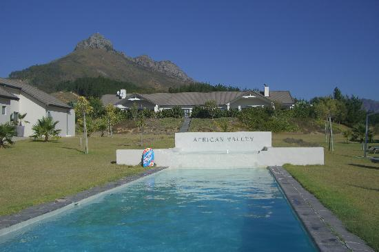 African Valley Estate: the pool