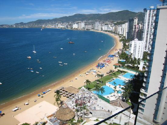 Grand Hotel Acapulco: Acapulco Bay outside the hotel