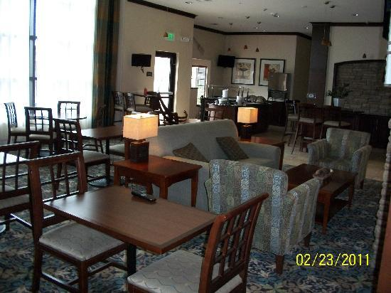 Staybridge Suites San Antonio Sea World: Eating area