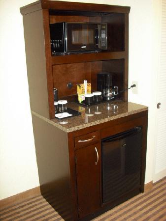 Hilton Garden Inn Columbia / Northeast : frig/microwave