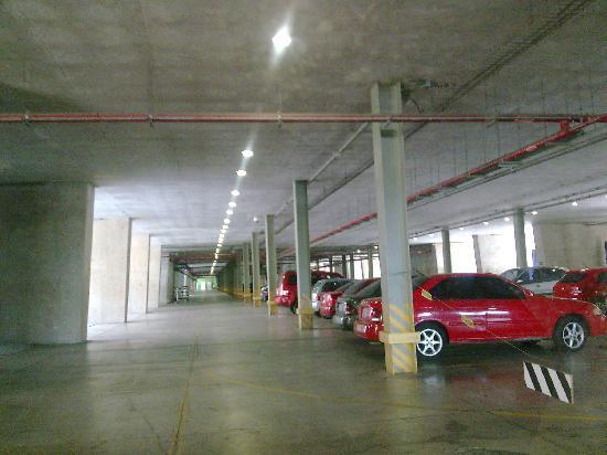 Πόλη του Μεξικό, Μεξικό: Estacionamiento. Biblioteca Vasconcelos. Buenavista. Ciudad de Mexico
