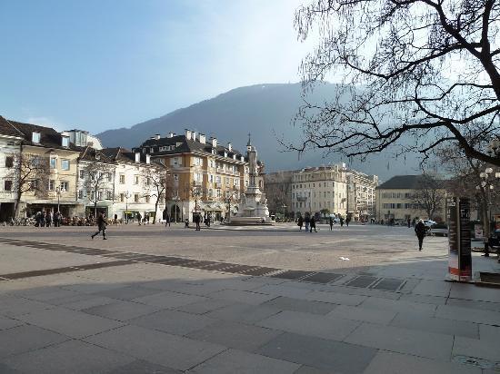 Bolzano, Italy: Waltherplatz