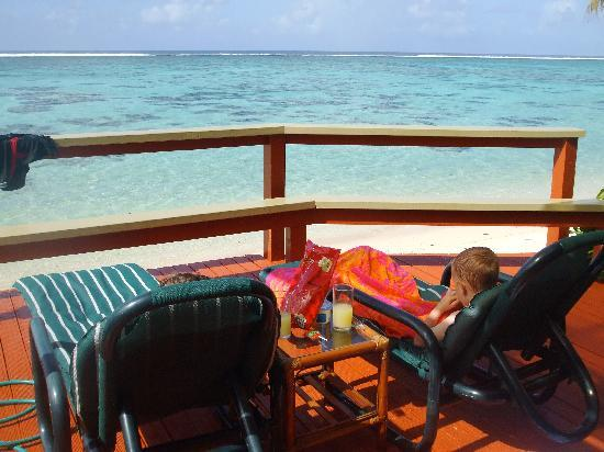 Main Islander On The Beach Holiday Properties: Afternoon tea relax