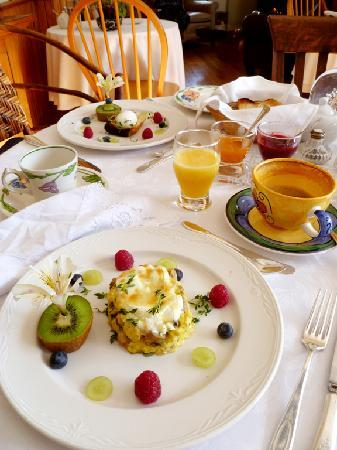 A la Maison Campbell B&B : Breakfast