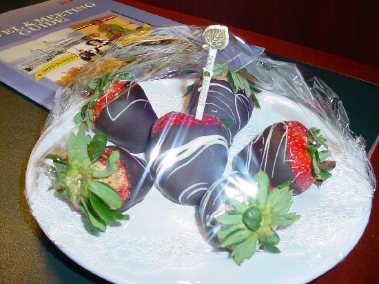 Doral Arrowwood: Chocolate Strawberries