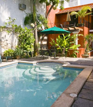 Luz En Yucatan's lovely poolside garden
