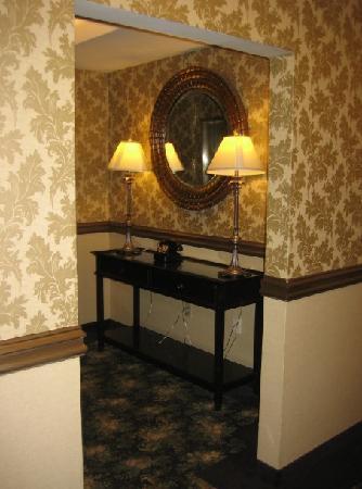 Parkview Hotel: Hallway