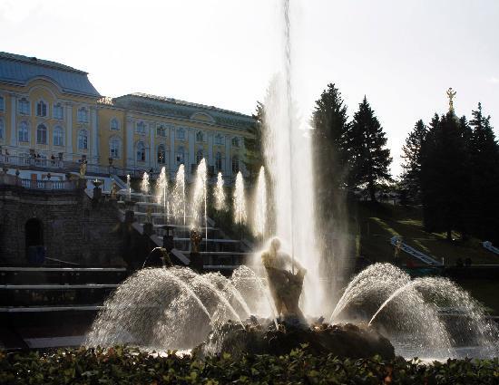 Tzar Travel - Natalya German-Tsarkova: Peterhof Palace, Sampson Fountain