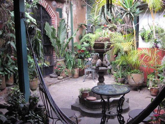 Posada Belen Museo Inn: Courtyard