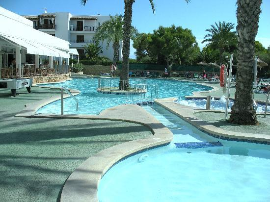 أبارتمنوس كالا دور بلايا: pool 1