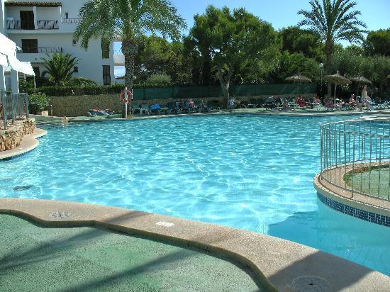 أبارتمنوس كالا دور بلايا: pool 2