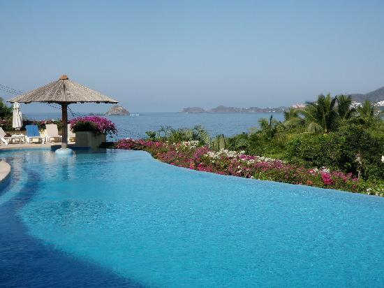 Pacifica Resort Ixtapa: Paradise-- Pool at Bugambilias