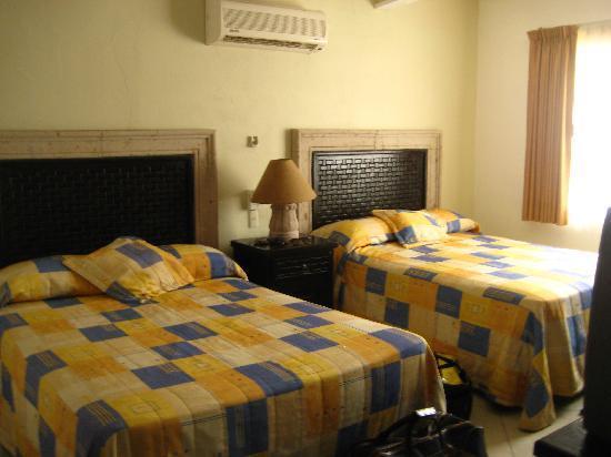 Los Picos Hotel & Suites: recamara
