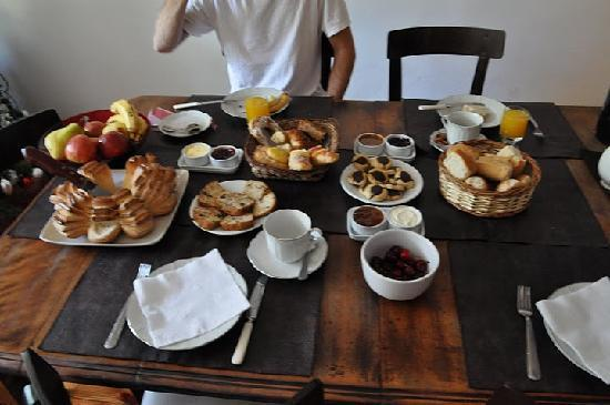 Gorriti 4290 B&B: breakfast 1