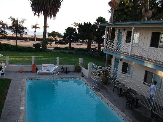Cabrillo Inn at the Beach: pool area