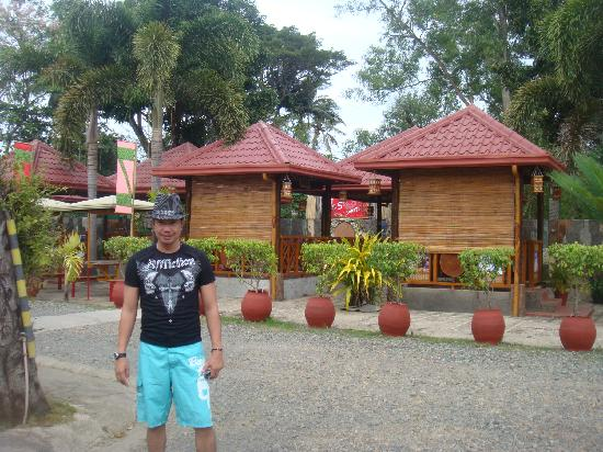 Balay Inato Pension : in the background is the restaurant