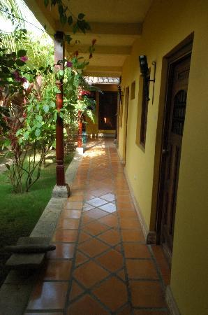 Hotel La Pergola: patio