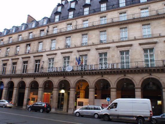 Hotel Lotti Paris: Rue de castiglione沿い