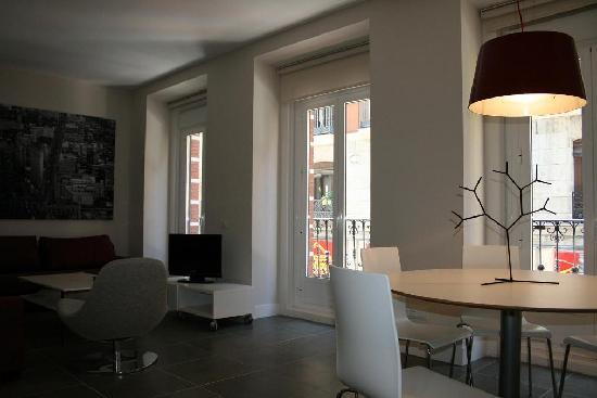 Apartamentos Benignus Madrid: Apartamento exterior