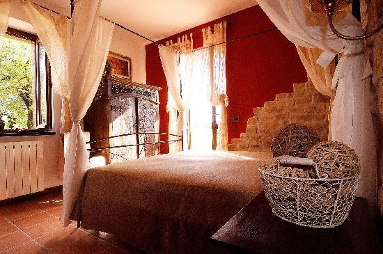 Agriturismo La Corte del Lupo: Una camera...con terrazzo panoramico..