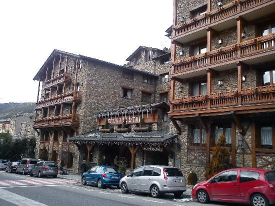 Sport Hotel : Hôtel de l'extérieur