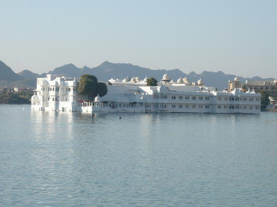 Taj Lake Palace Udaipur : The Lake Palace Hotel