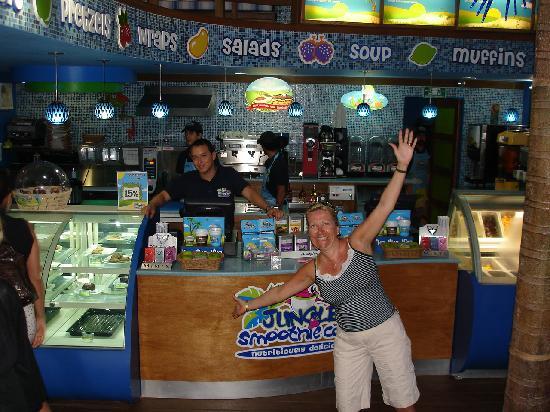 Jungle Smoothie Cafe : Inside