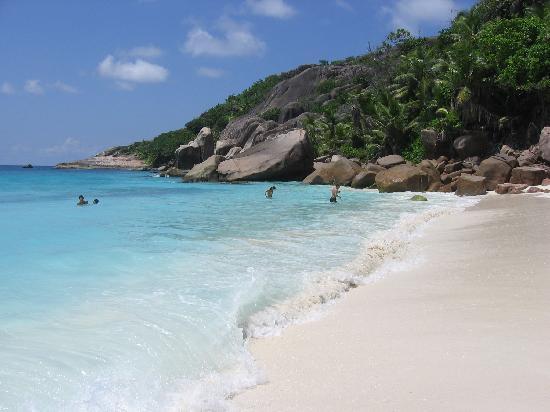 Paradise Sun : Sister Island Seychelles