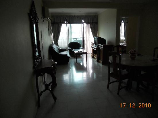 Century Bay Private Residence: Living Hall