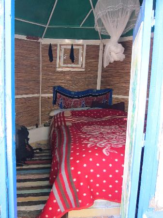 Al Salam Camp: Al Salam Hut inside