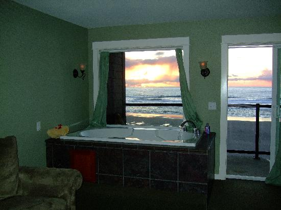 Starfish Manor Oceanfront Hotel: What a View!