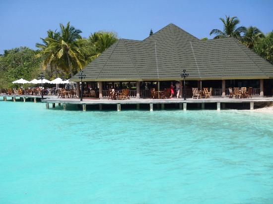 Paradise Island Resort & Spa: The main bar seen from the jetty
