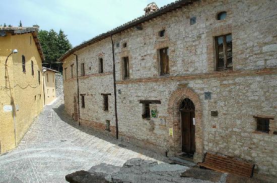 Palazzo Simonelli: Ingresso principale