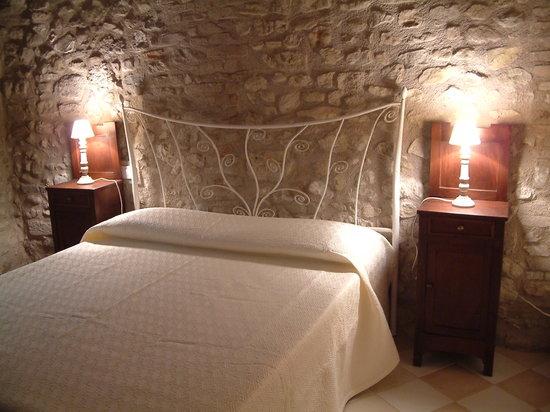 Il casale dell 39 arte le case antiche hotel verucchio for Immagini case antiche interni
