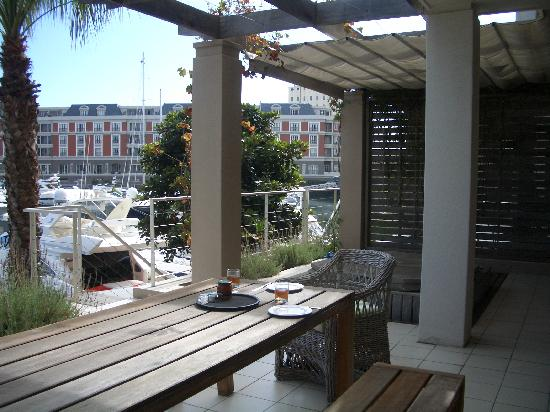 Atlantic Marina Waterfront Apartments: View of front balcony