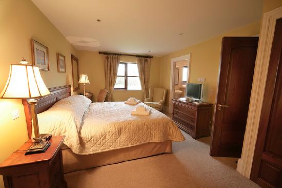 Adare Villas: King Bedroom