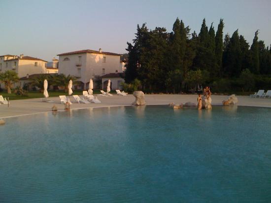 Tartheshotel : piscina: appena arrivati tardo pomeriggio