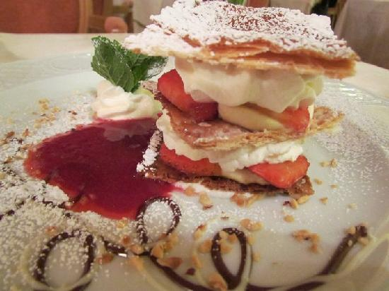 Hotel Lorenzetti: Millefoglie with Strawberries