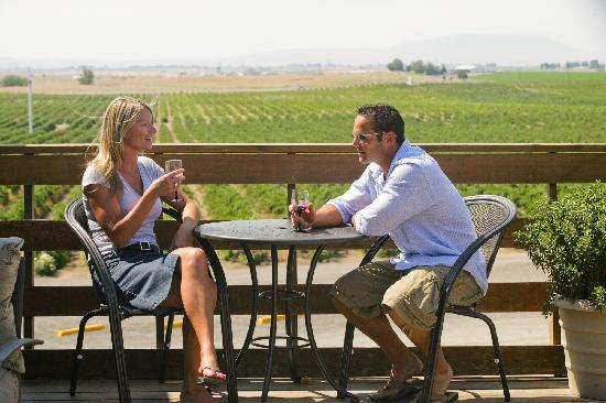 Pasco, Ουάσιγκτον: The Heart of Washington Wine Country, Tri-Cities, WA - Photo by: www.winecountrycreations.com