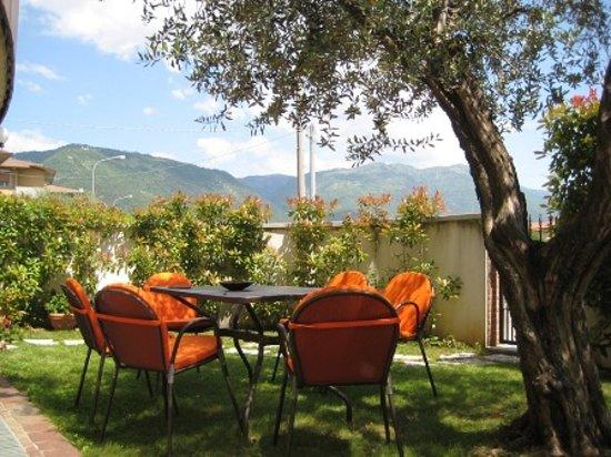 bed and Breakfast Magnolia: vista sul monte Grappa