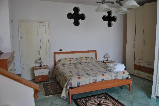 Residence Eden: Camera Matrimoniale