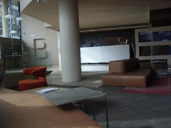 B-Hotel: Hall de l'hotel