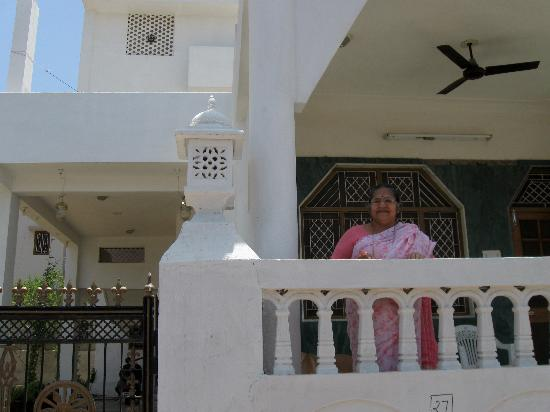 Chandra Niwas Homestay: The lovely hostess